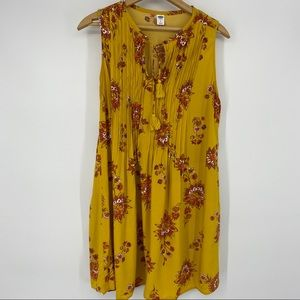 Old Navy Mustard Yellow Large Top